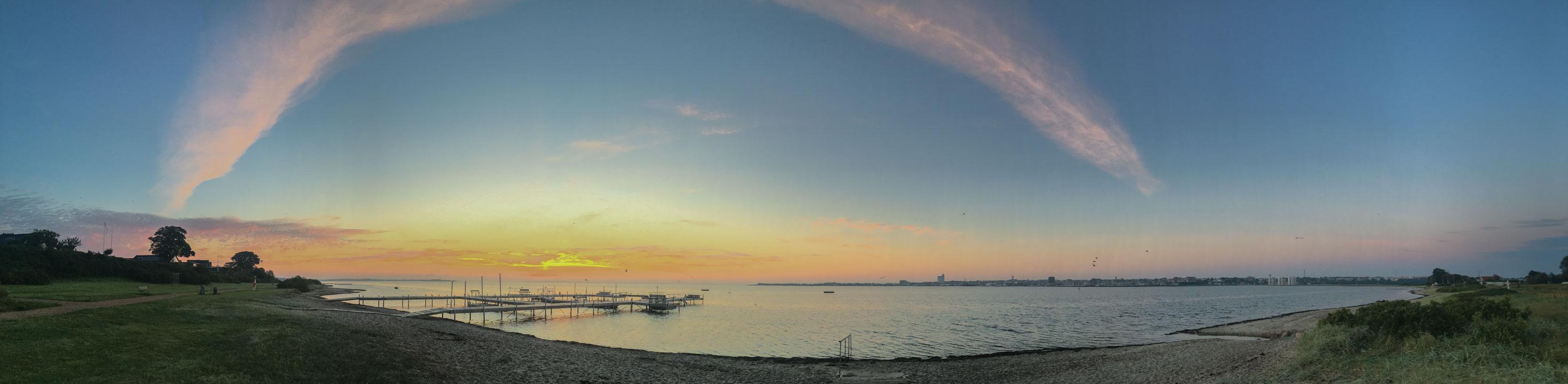 aurelia-brivet-160831-sunrise-beach-ld